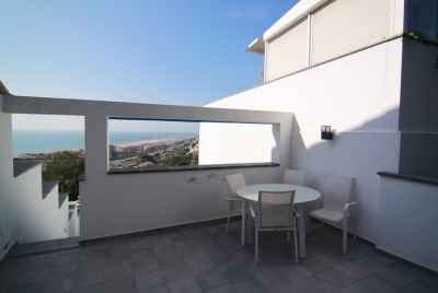 Townhouse with a sea view and a guest house in Sitges